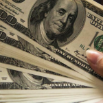 US Dollar Index Clings to Gains Near 95.60