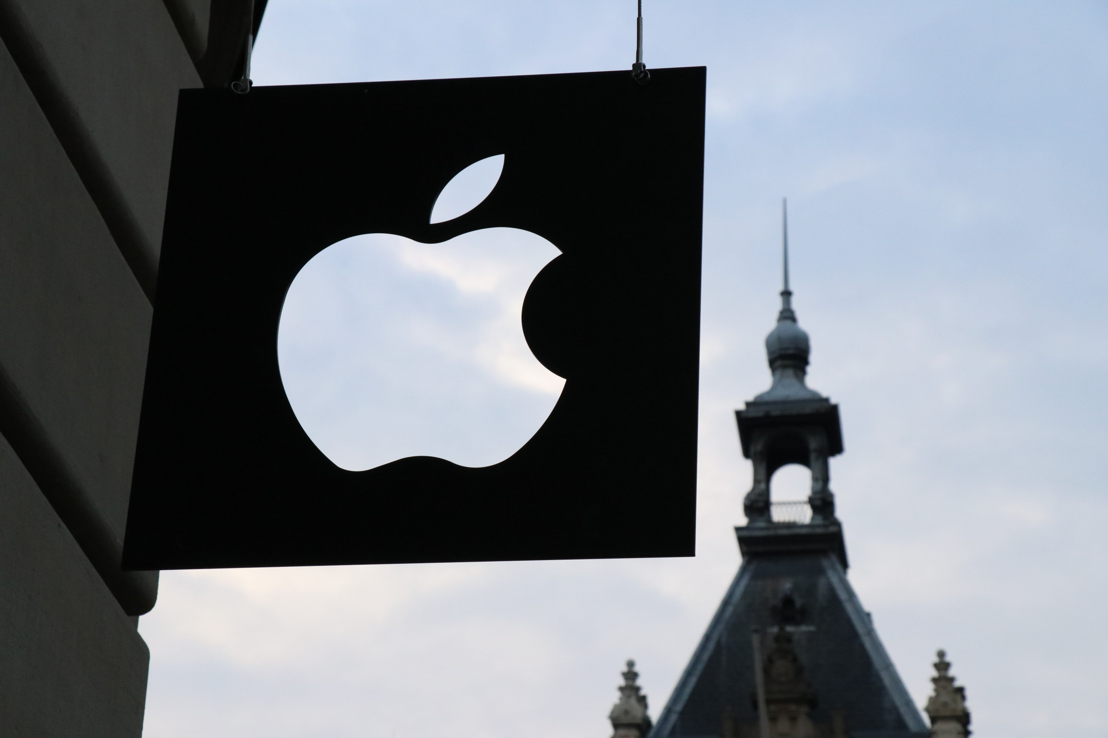 Apple Exec sees long-term potential in cryptocurrencies