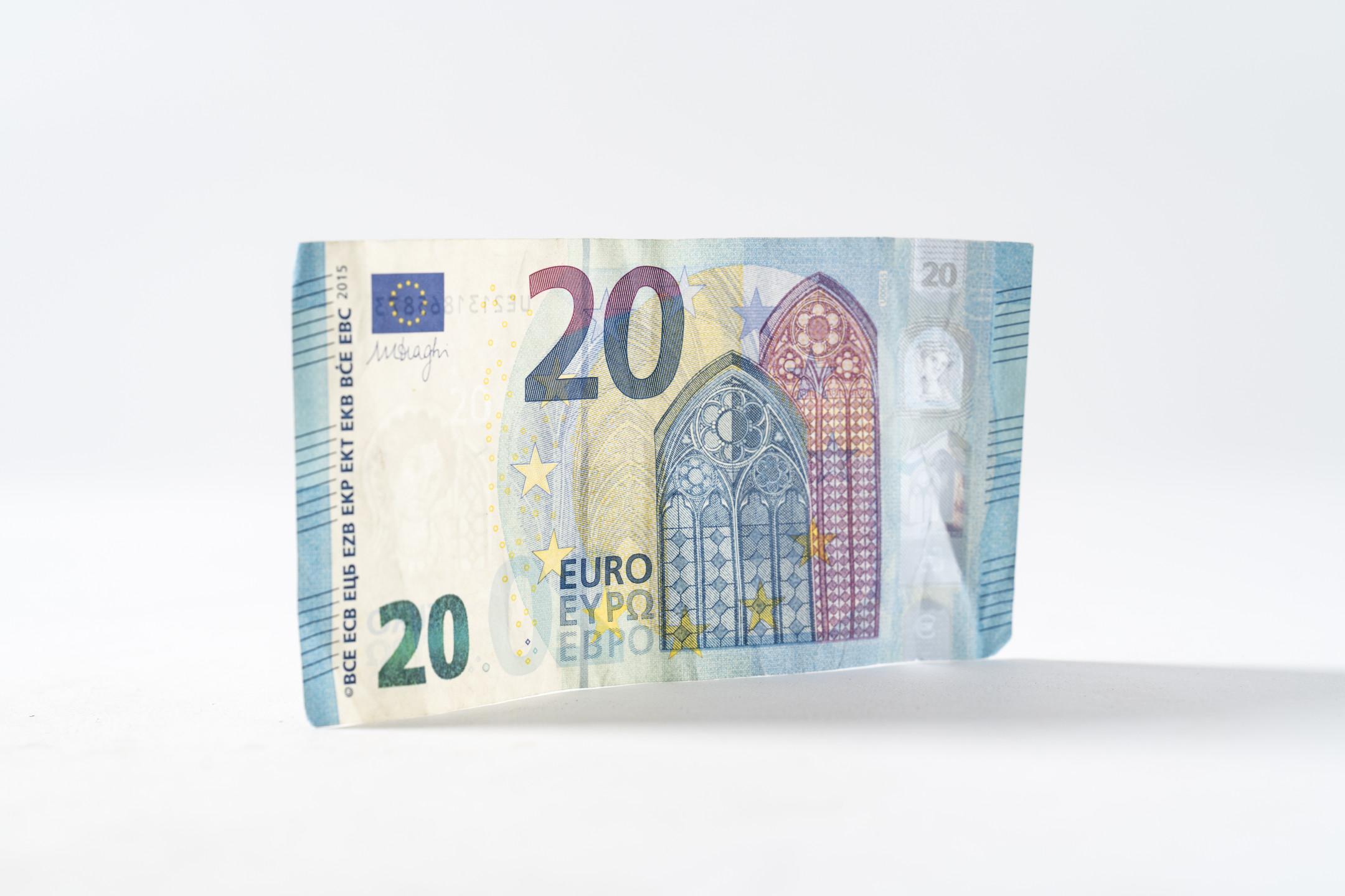 EURUSD analysis - Euro moves higher against US dollar