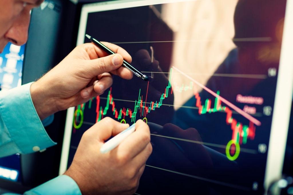 August 18: Live Market Analysis